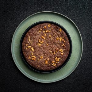 Brownie cu nuca coapta